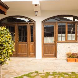 Uși si ferestre cu arcadă